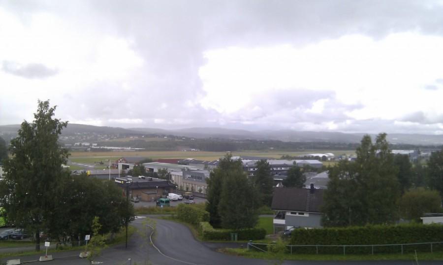 Kjeller flyplass sett fra en liten høyde.