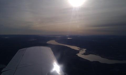 God utsikt fra 6500 fot. Her nærmer jeg meg Dokka med utsikt over Randsfjorden mot syd.