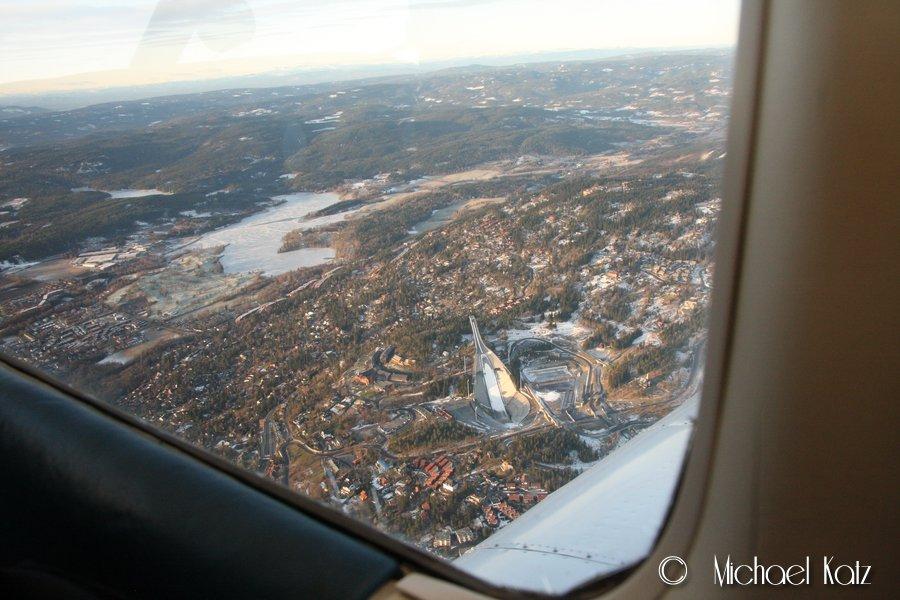 Holmenkollen og Bogstadvannet fra lufta