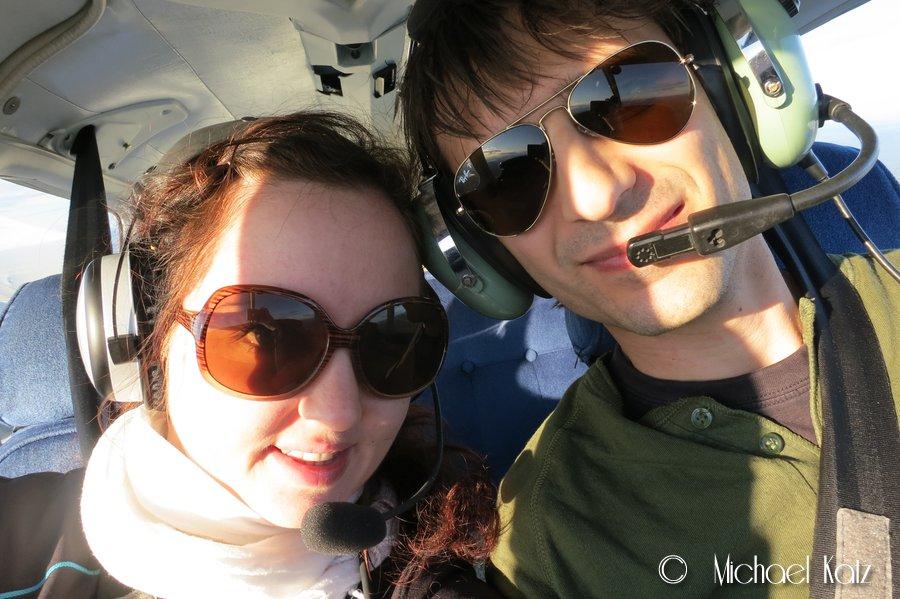 Flygeeken med samboer'n på flytur til Trysil for å grille pølser.