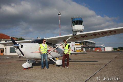 Ola og flygeeken fremme i Groningen etter 2 timer og 30 minutters flytur fra Aarhus. Total flytid fra Oslo til Groningen første dag på turen var 4 timer og 45 minutter.