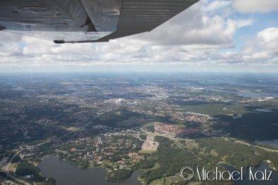 Nærpassering av Stockholm på vei til Stocholm Skavsta. ATC kastet oss litt opp og ned siden vi passerte innflygingen til Arlanda. © 2016 Michael Katz