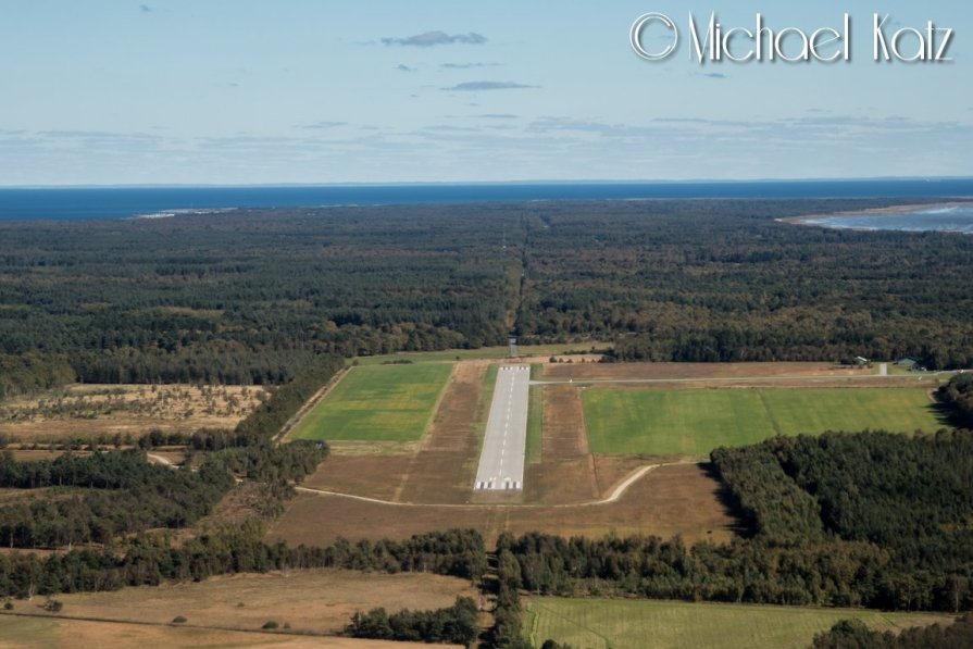 Landing på Læsø Flyveplads. © 2016 Michael Katz