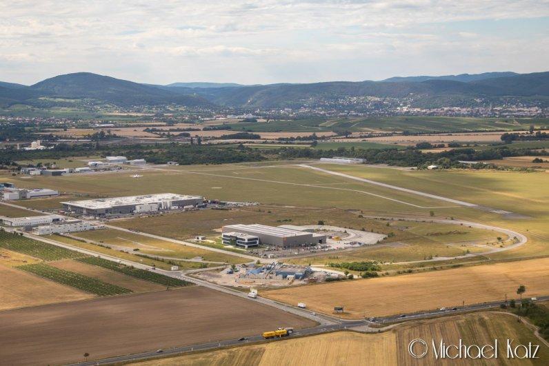 Vöslau Airport i Wien. © 2017 Michael Katz