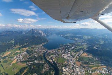 Vakre innsjøer innimellom fjellene mellom Wien og Salzburg. © 2017 Michael Katz