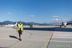 Anders på flyplassen i Salzburg. Presidentflyet til Kroatia står parkert til høyre for LN-NRO. © 2017 Michael Katz