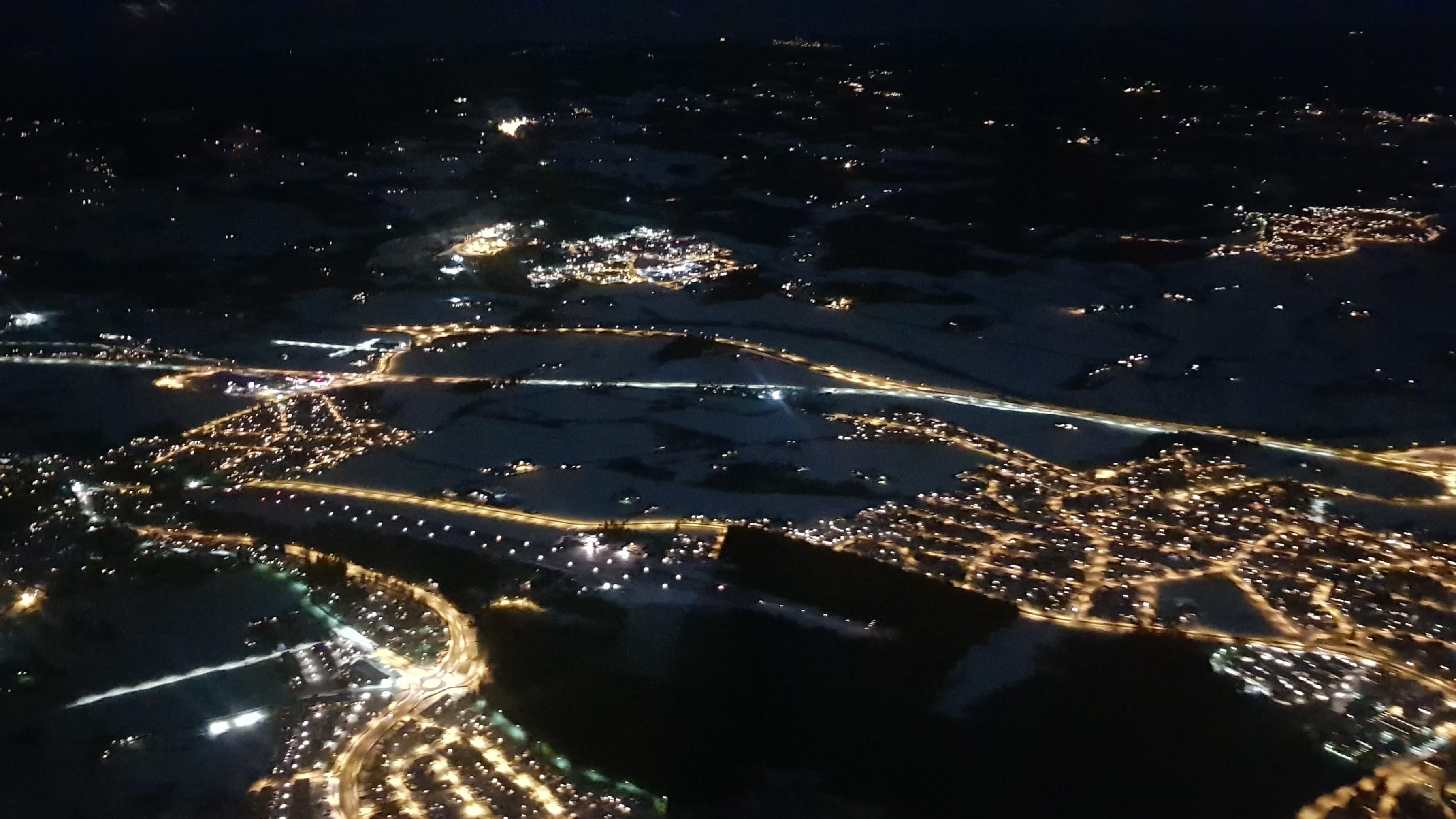 Hamar flyplass bør være relativt enkel å få øye på når du ser rekken av kantlys. @ 2019 Michael Katz