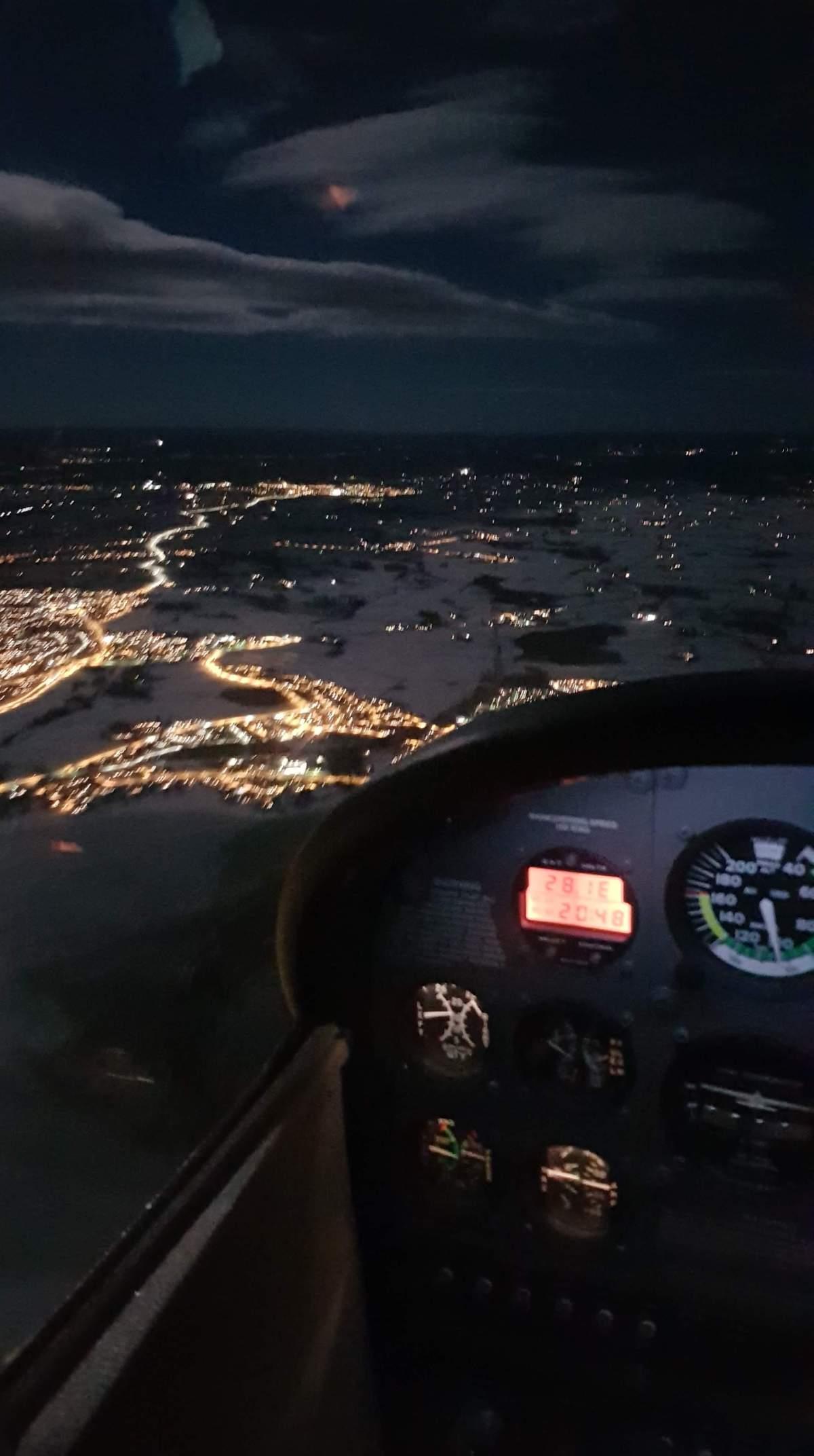 På vei sydover fra Hamar Flyplass til Gardermoen Lufthavn.