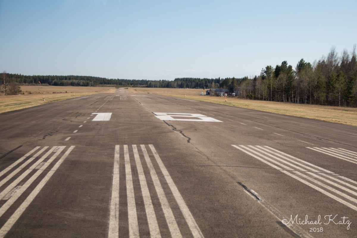 Touchdown bane 18 på Optand Flygplats i Östersund.