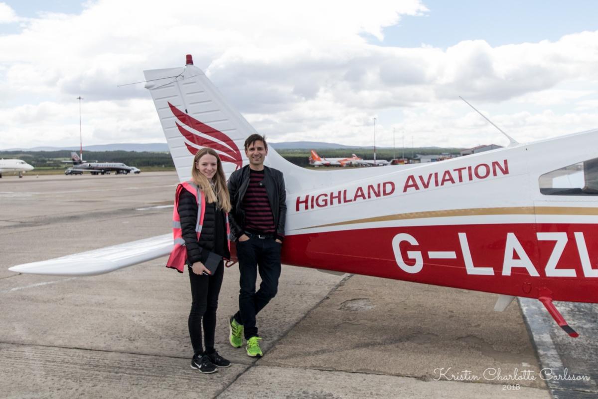 Meg med co-pilot og guide Anna.