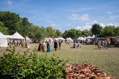 Middelalderfestivalen i Visby. Folk i tidsriktige klær vandret rundt hele Visby.